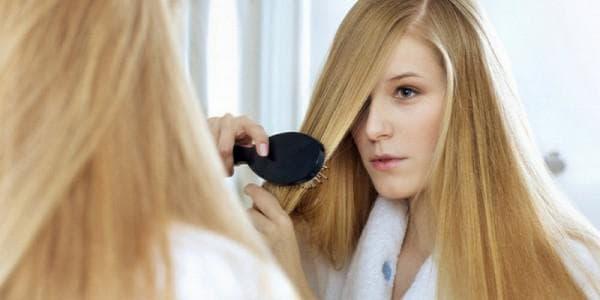 Основные причины выпадения волос у девушки