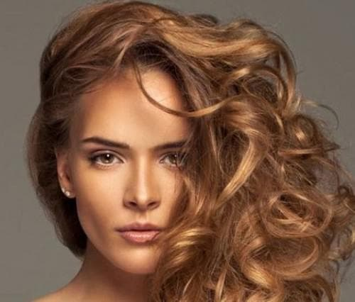медово-карамельный цвет волос