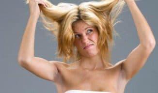 с чем связано выпадение волос у женщин