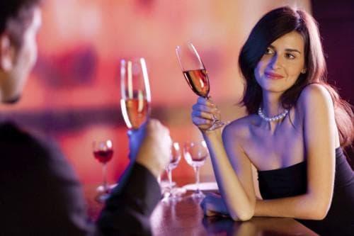 романтическая прическа на свидание или вечеринку