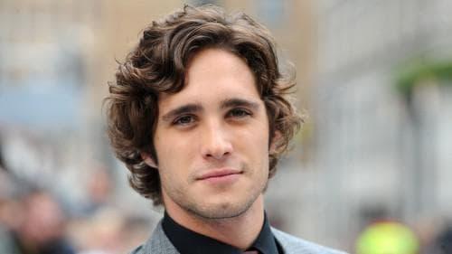 причёска на волнистые волосы у мужчины
