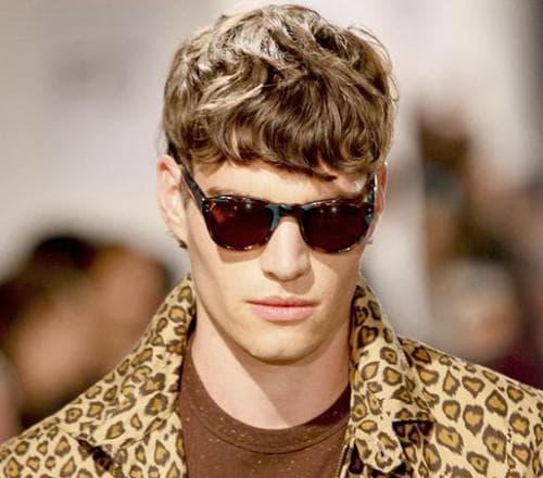 стрижка британка на волнистые волосы