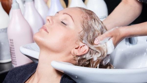очень полезен массаж головы перед мытьем