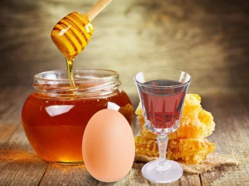 коньяк, мед, яйцо и витамины