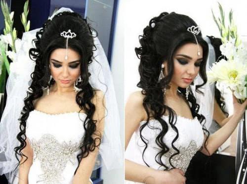 свадебная причёска с начёсом под фатой