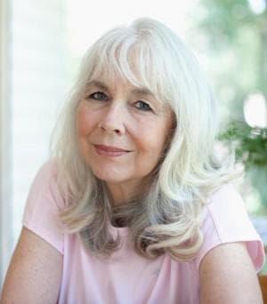 длинные волосы для пожилых женщин