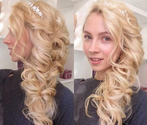 боковой хвост в греческом стиле на длинные волосы