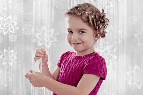 детские праздничные укладки на короткие волосы