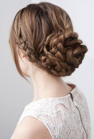 пучок из косы на 1 сентября для девочки