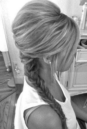 начес и косы на средние волосы