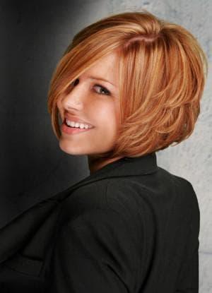 многослойная стрижка для тонких волос средней длины