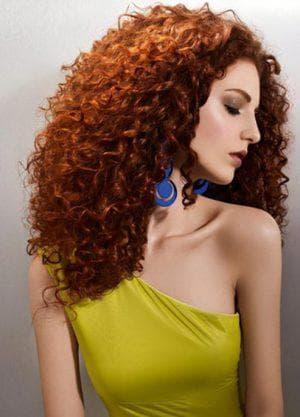 зигзагообразные локоны на средние волосы