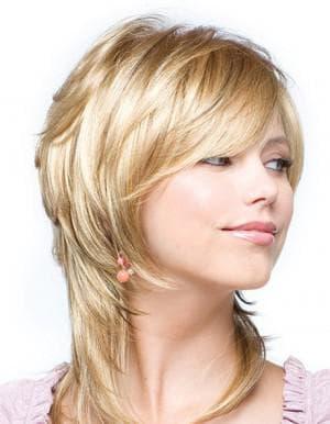 стильная стрижка каскад на короткие женские волосы