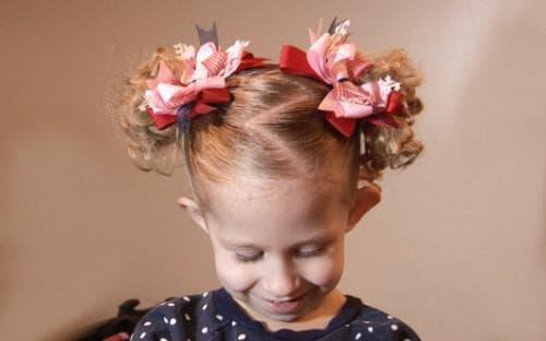 детские прически с хвостиком на средние волосы