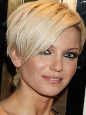 женская короткая стильная стрижка на прямоугольное лицо