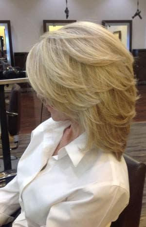 объёмный каскад на короткие волосы