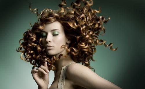 нейтральная завивка волос крупные локоны