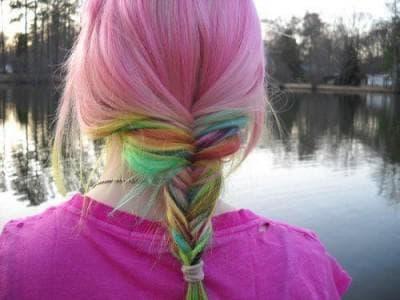 фиолетовый с зеленым и желтым переливом цвет волос