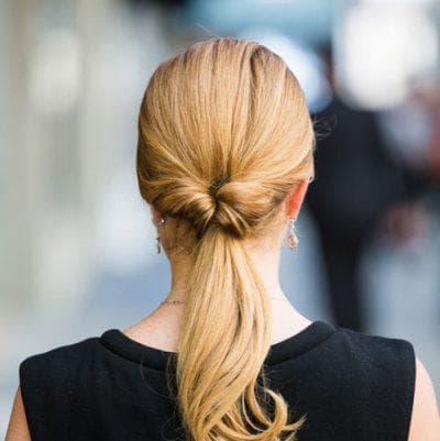 вывернутый красивый хвост на средние волосы