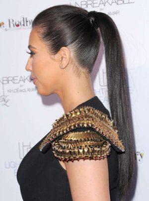 классический конский красивый хвост на длинные волосы