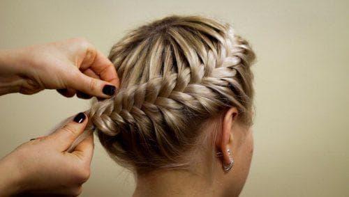 коса колосок на средние волосы
