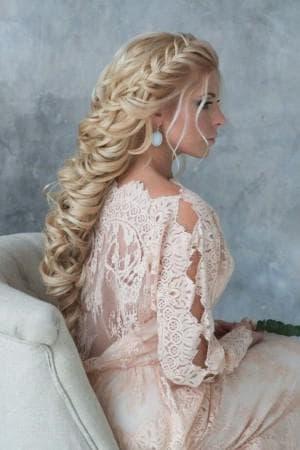 причёска греческая леди для длинных волос
