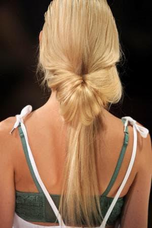 хвост-пучок для длинных волос