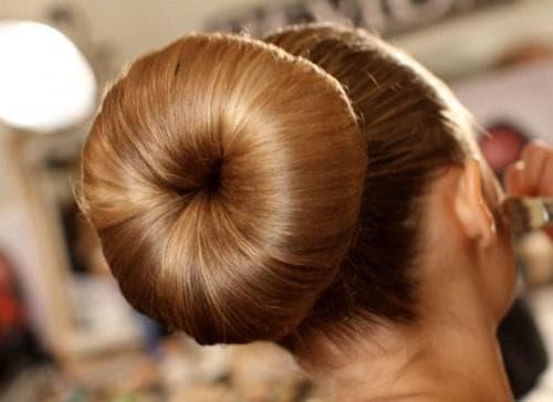 пучок балерины для длинных волос