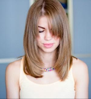 лесенка для тонких волос средней длины