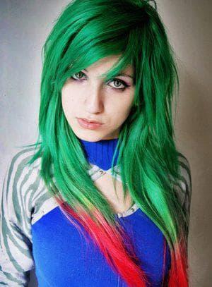 зелёные волосы для карих глаз