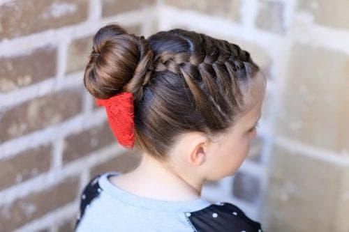 причёска пучок для девочки
