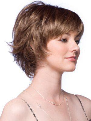 каскад на короткие волосы с челкой