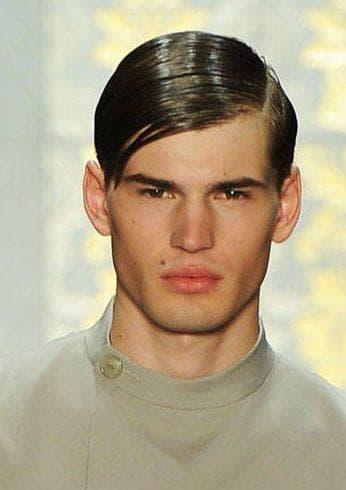 укладка коротких мужских волос с чёлкой