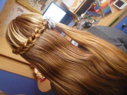 косы с распущенными волосами в школу