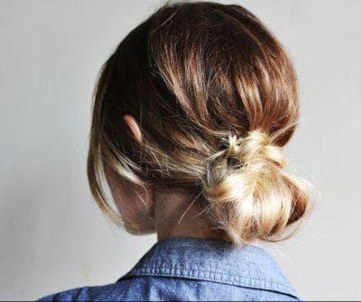 как красиво собрать волосы в низкий пучок