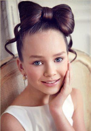 модный бантик из волос для девочки