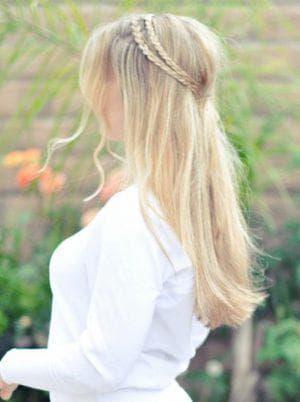 романтическая коса с распущенными волосами в школу