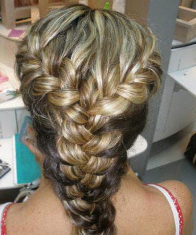 прическа полу французская коса с резинками на средние волосы