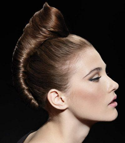 причёска волнистая ракушка