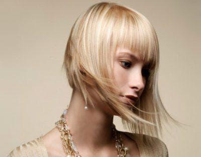 каскад с прямой челкой на средние волосы до 50 лет