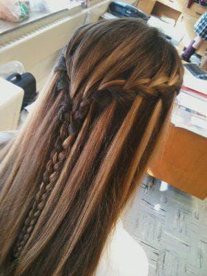 распущенные волосы и косы