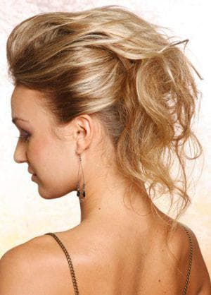 причёска в стиле кэжуал на короткие волосы