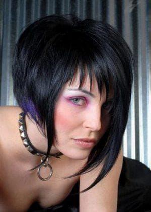 асимметричное каре на густые вьющиеся волосы