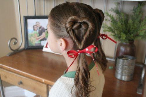 детская прическа хвостик два сердечка на длинные волосы