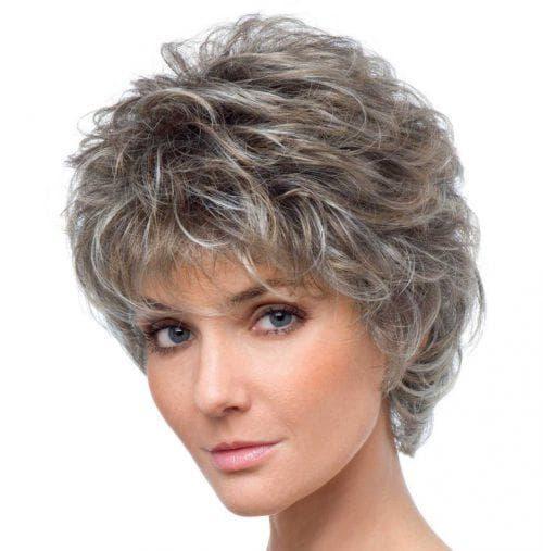 короткий каскад на вьющиеся волосы