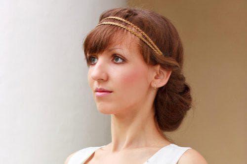 греческая причёска с чёлкой на средние волосы