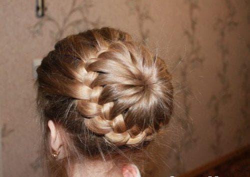 шишка на длинные волосы для девочек