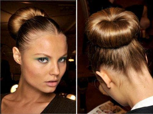 шишка классика из волос с помощью бублика