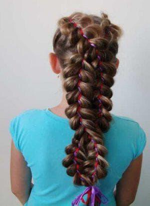 коса-восьмерка из хвостиков с резинками
