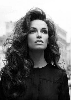 объёмная причёска волна на длинные волосы
